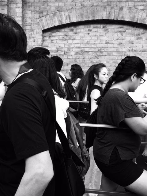 black queue